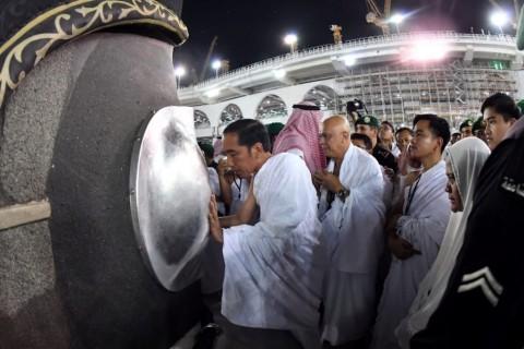 Presiden Ziarah ke Makam Rasulullah di Madinah
