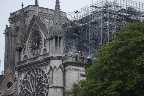 Menelusuri Arsitektur Notre Dame, Katedral yang Terbakar di Paris