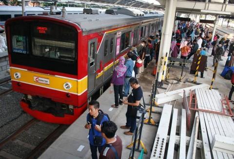 Tiket Kereta di Stasiun Gambir dan Senen Nyaris Ludes