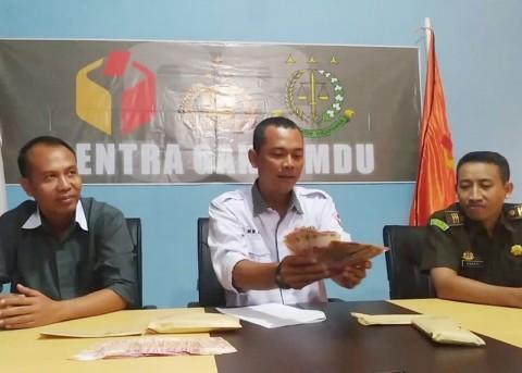 Dua Terduga Politik Uang Ditangkap