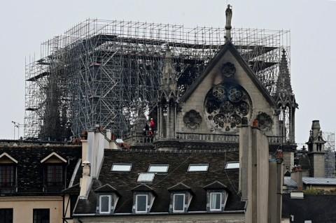Prancis Selidiki Penyebab Kebakaran Notre Dame