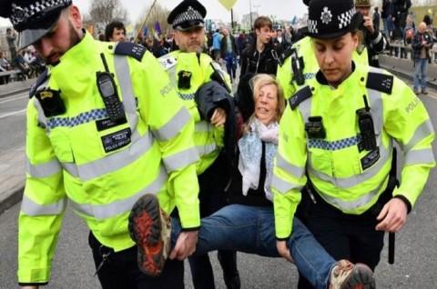 Protes Iklim di London Berlanjut, Ratusan Aktivis Ditangkap