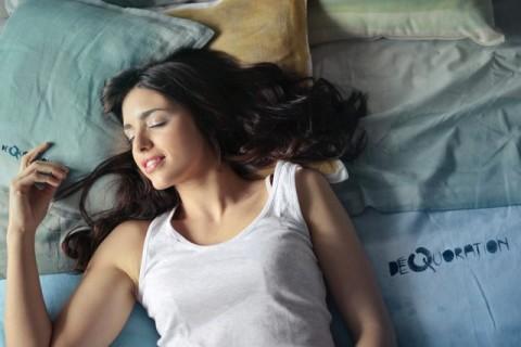 Manfaat Tidur Tanpa Busana