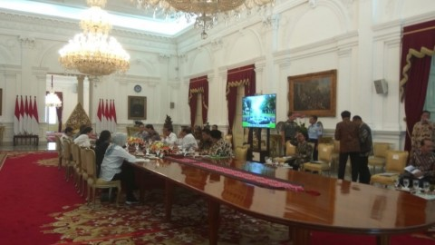 Jokowi Holds Cabinet Meeting, Discusses His Recent Trip to Saudi Arabia
