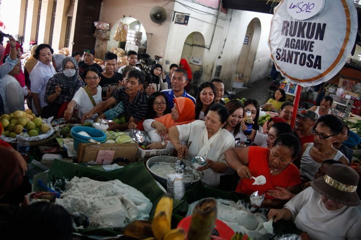 Pedagang Pasar Gede Solo Syukuran Pemilu Damai
