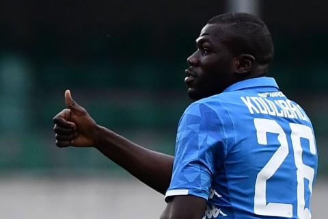 Napoli tidak Tertarik Menjual Kalidou Koulibaly