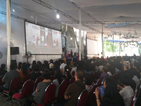 Ribuan Umat Kristiani Hadiri Misa Jumat Agung di Katedral