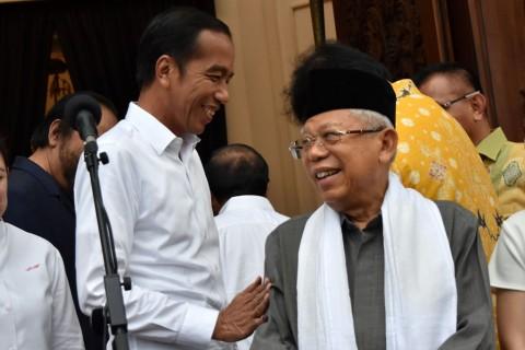 LSI Denny JA: Jokowi-Ma'ruf Menang Telak