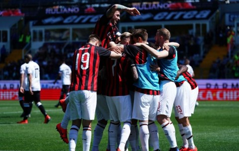 Milan Susah Payah Curi Poin di Markas Parma