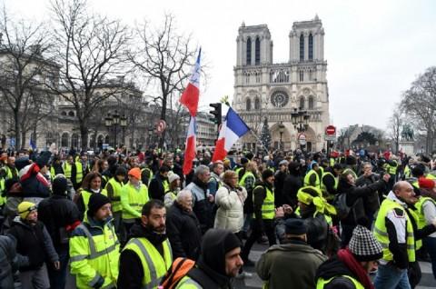 Polisi Prancis Tangkap 100 Rompi Kuning di Pekan ke-23