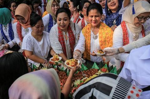 Iriana Jokowi Memperingati Hari Kartini di Solo