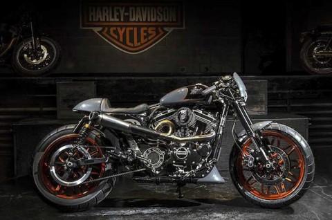 Harley-Davidson Roadster 'Bombtrack' Cafe Racer