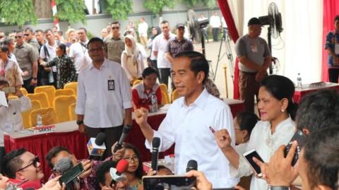 Situng KPU: Jokowi-Ma'ruf 54,76% Prabowo-Sandi 45,24%