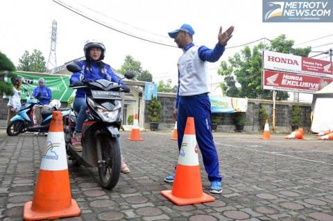 Wanita Harus Lebih Perhatian Kepada Sepeda Motor