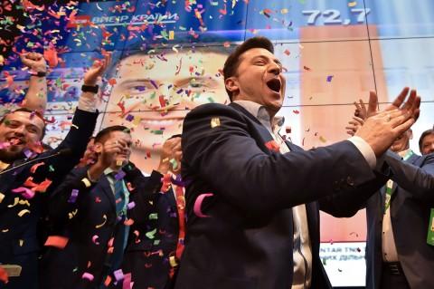 Seorang Komedian Terpilih Jadi Presiden Ukraina