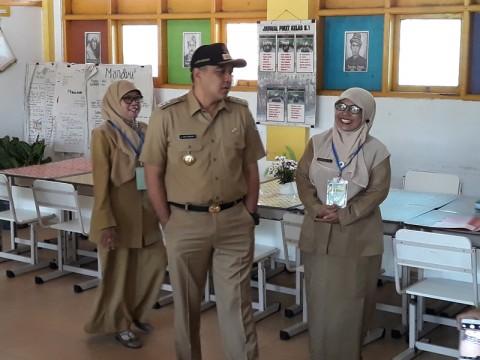 54 SMP di Kabupaten Tangerang UN Tanpa Komputer