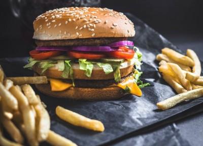 Apa yang Terjadi di Tubuh Anda setelah Makan Burger?