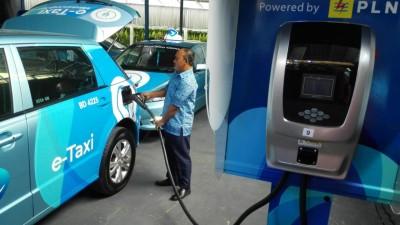 Optimisme Blue Bird akan Mobil Listrik di Indonesia