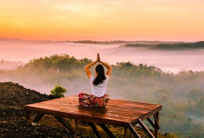 Manfaat Yoga dalam Menurunkan Berat Badan