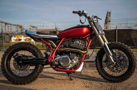 Yamaha SR400 Custom Bertenaga Monster Racikan Keeley Pritchard