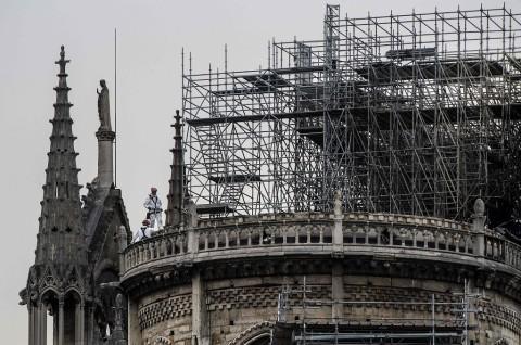 Hujan Deras Ancam Struktur Katedral Notre Dame