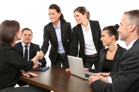 Menjalin Persahabatan di Kantor Tingkatkan Produktivitas Kerja?