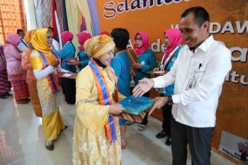 Lulusan Akademi Paradigta Diajak Tangani Stunting