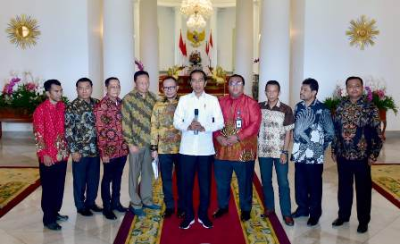 Jokowi Meets with Leaders of Labor Unions