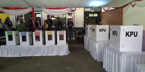 Sri Mulyani Hitung Besaran Kompensasi Petugas KPPS