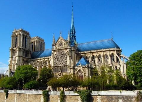 Restorasi Notre Dame, dari Bahan Limbah hingga Rumah Kaca