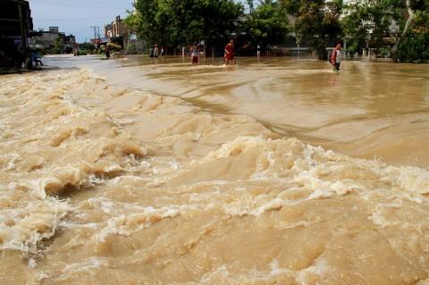 Jalan Trans Sulawesi Mamuju Lumpuh Total Akibat Banjir