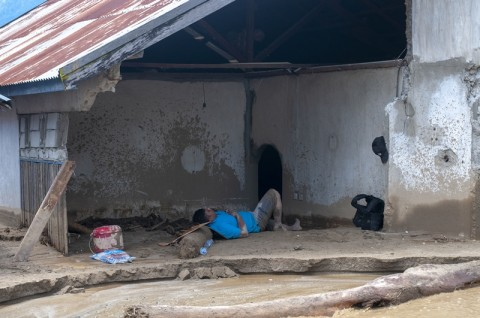 Korban Banjir Sigi Kesulitan Air Bersih