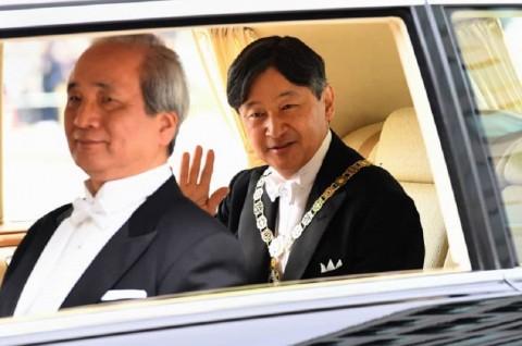 Warga Jepang Lega dengan Kehadiran Kaisar Naruhito