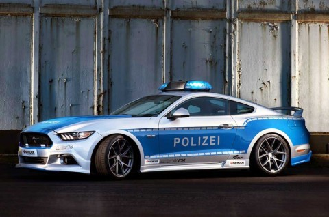 Gagahnya Ford Mustang GT Pakai Seragam Polisi Jerman