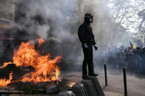 Demo Buruh di Prancis Ricuh
