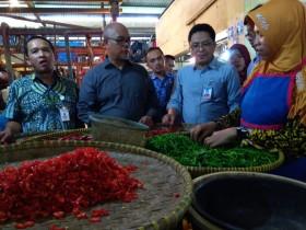Harga Bahan Pokok di Cirebon Turun