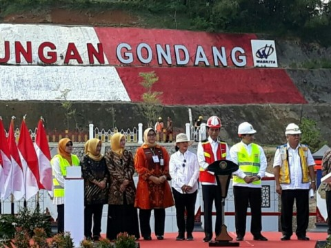 Jokowi Inaugurates Gondang Dam in Central Java