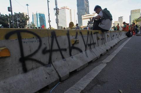 Keterkaitan Vandalisme di Jakarta dan Bandung Diselidiki