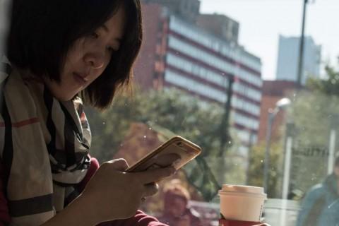 Survei: Perempuan Cenderung Transaksi Belanja <i>Online</i>