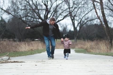 10 Kata Kata Rindu Untuk Ayah Yang Penuh Makna Medcomid