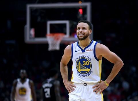 Meski Terkilir, Stephen Curry Tetap Tampil pada Game Ketiga