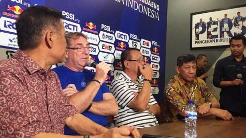 Eks Pelatih PSM Dikontrak 2 Tahun oleh Persib