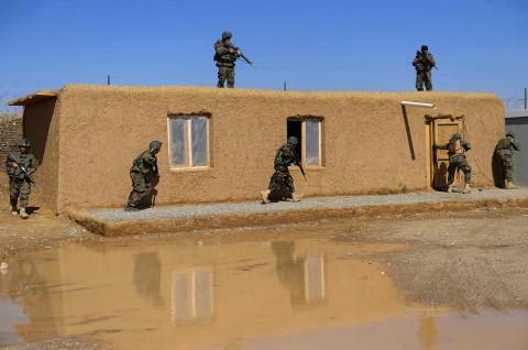 Taliban Serang Kantor Polisi di Afghanistan Utara, 13 Tewas