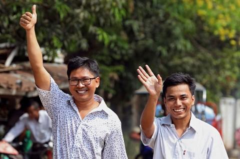Dua Wartawan Reuters Dibebaskan Pemerintah Myanmar