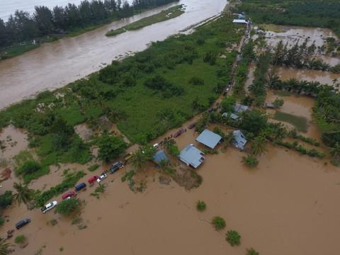 Warga Korban Banjir Bengkulu Mulai Terserang Penyakit
