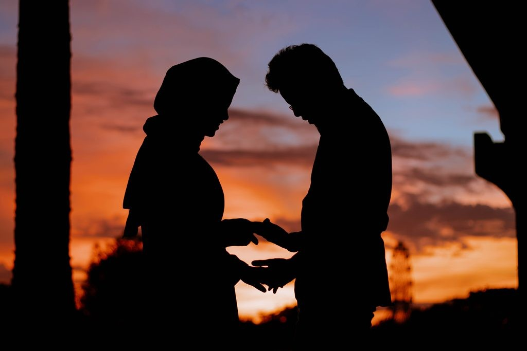 7 Puisi Cinta Untuk Pacar Yang Romantis Medcomid