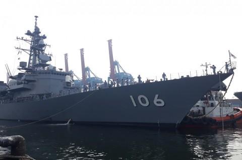 Kapal Perang Jepang JS Samidare Berlabuh di Tanjung Priok