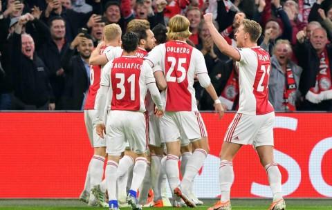Ajax Hajar Tottenham di Babak Pertama