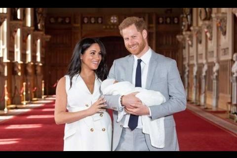 Pangeran Harry dan Meghan Markle Perkenalkan Putra Sulung ke Publik