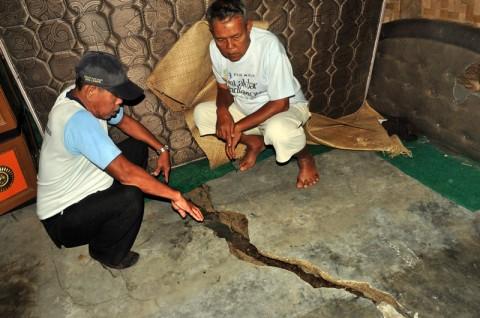 Warga Lebak Korban Pergerakan Tanah Butuh Bantuan